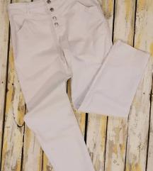 Bele pantalone sa visokim strukom
