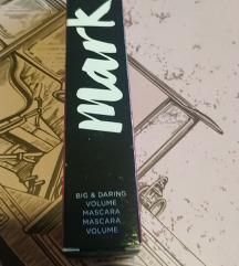 Big & Daring maskara za volumen