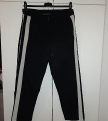 Pantalone sa belom straftom
