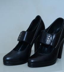 Cipele crne prelepe broj 38