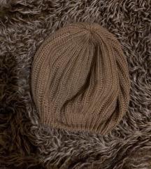 Odlicna zenska kapa