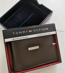 Tommy Hilfiger muski kozni novcanik tamno braon 1