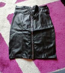 Mini crna kozna suknja