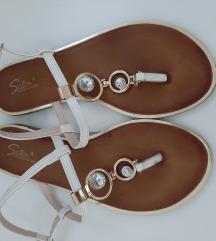 Nove ravne sandale