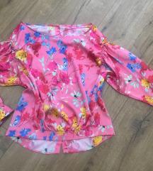 Zara cvetna basic majica  XS