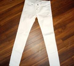 SNIZENJE Kreč bele Stradivarius pantalone