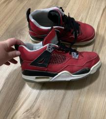 Nike jordan be 39
