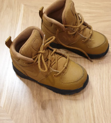 Nike kanadjanke