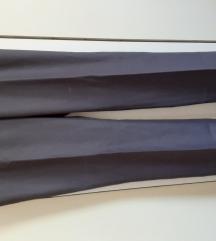 Braon pantalone na peglu