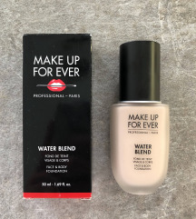 Make Up For Ever Water Blend puder