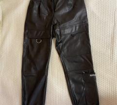 Berahka kozne pantalone sa dzepovima-jednom nosene