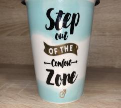 Porcelanska čaša sa poklopcem