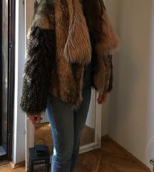 Zara kratka, masivna bunda M