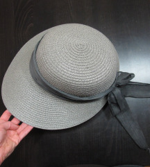 9. Prelep šešir za plažu, sivi, pleteni