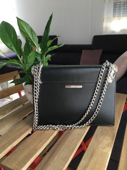 Mona torba kao nova