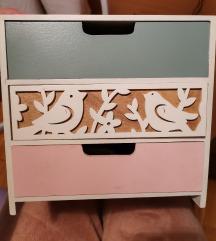 Kutija za nakit sa 3 fioke