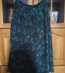 Lepa plisirana suknja. Lepog dezena-ne pegla se