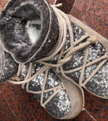 Inuikkii cizme