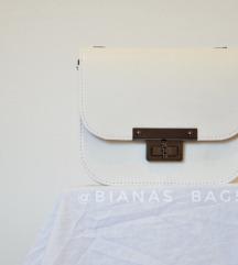 Nova bela torbica 19x16