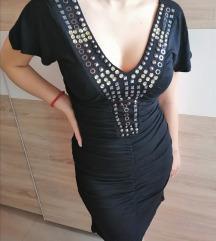 Divna crna haljina