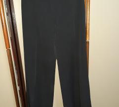 Elegantne crne pantalone SADA 30% manje  315 din.