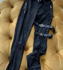 Crne Pantalone duboke