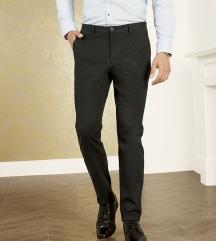 LIVERGY slim fit pantalone vel 48 NOVO
