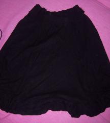 Crna suknja sa karnericima
