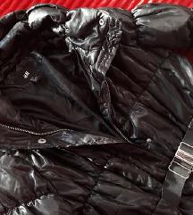 H&M dugacka crna jakna