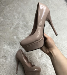 Lakovane cipele na platformu NOVO