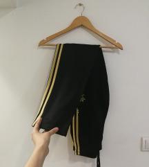 Adidas original donji deo trenerke