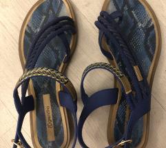Grendha sandale