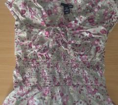 Cvetna majicica H&M