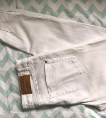Zara bele pantalone SNIZENE