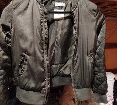 H&M maslinasto zelena bomber jaknica
