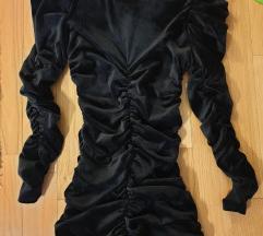 Crna haljina sa puf rukavima naborana