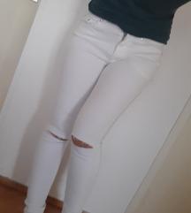 Bele nove pantalone XS/S snizene