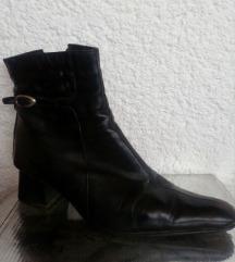 Crne krace kozne cizme