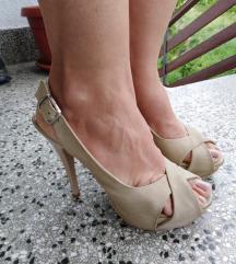 Krem sandale na stiklu