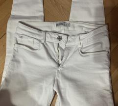 ZARA pantalone SNIZENE  38 velicina