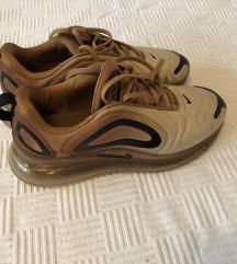 Original Nike Airmax 720 zlatne iz Buzza