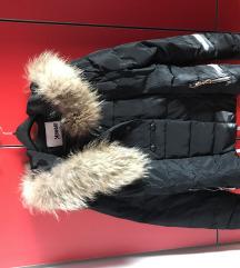 Crna perjana jakna