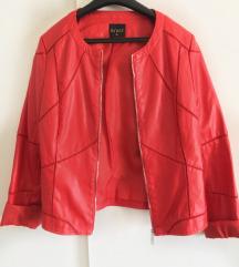 Crvena kožna jakna