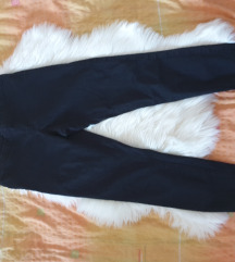 H&M crne pantalone Vel 40