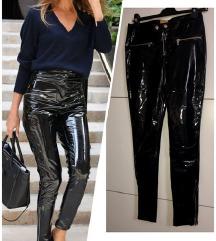 H&M latex lakovane pantalone