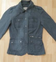 Strukirana teksas siva jakna