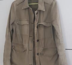 Tanka jakna za prelazni period