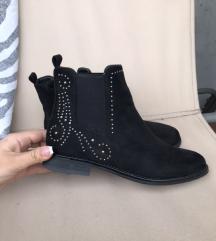 prelepe cizme kao novo