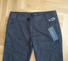 Kratke pantalone 36