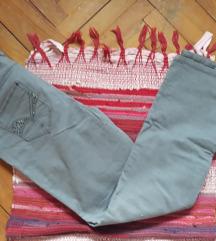 Pantalone nove Yessica, za krupnije ženice